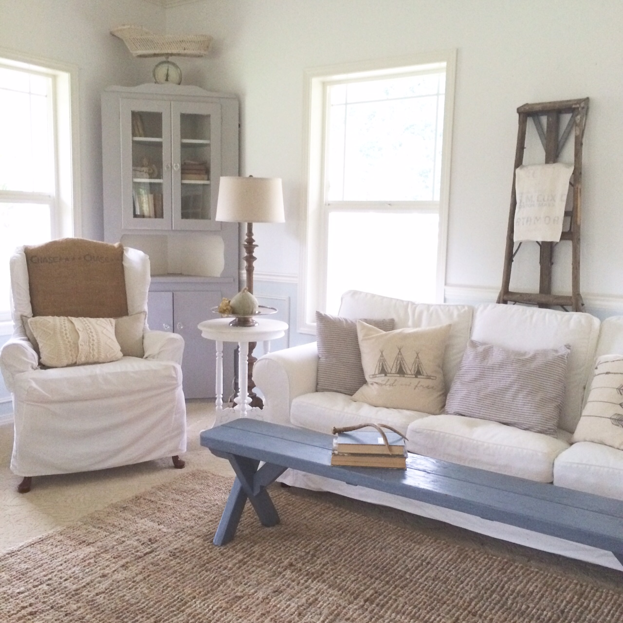 Little farmstead creating a farmhouse style living room for Lounge room decor