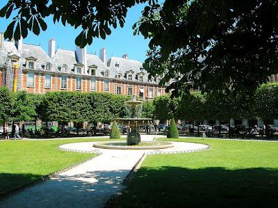Parigi Place Vosges