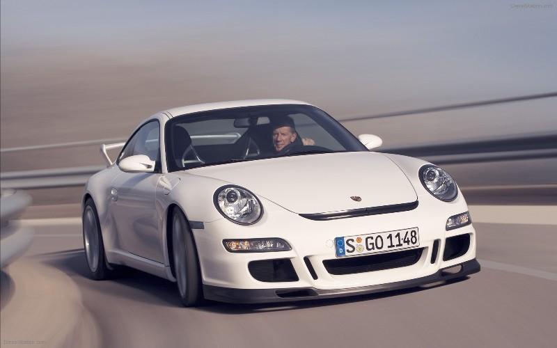 Porsche 911 - самое надежное авто в возрасте от 8 до 9 лет