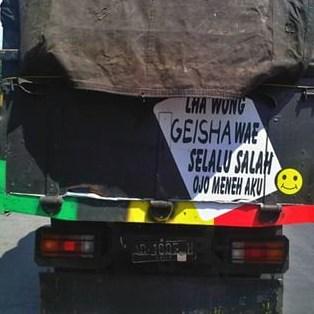 tulisan unik dan lucu sopir truk