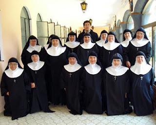 Significado de Soñar con Monjas en un Convento