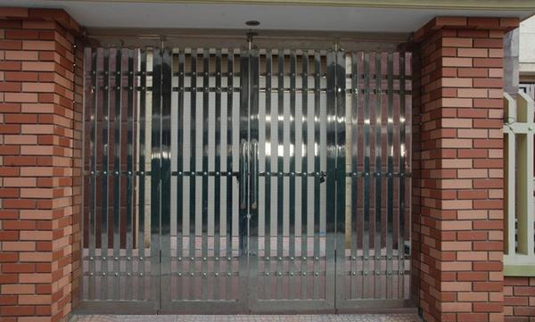 cổng inox 4 cánh đẹp - mẫu 10