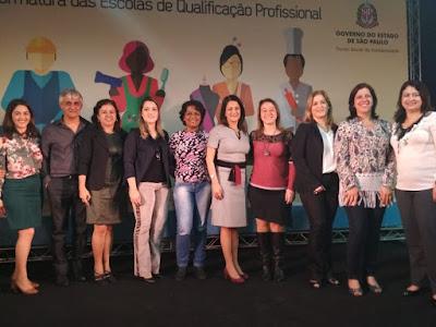 Presidente do fundo social de Miracatu participa da formatura das escolas de qualificação profissional em Iguape