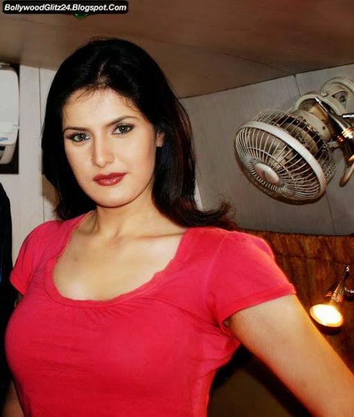 Zarine Khan Hot Lips Pics 2016