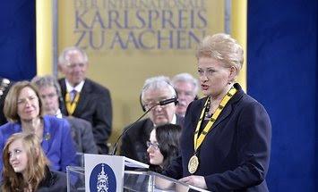 daliai-grybauskaitei-iteiktas-tarptautinis-karolio-didziojo-apdovanojimas-67945188.jpg