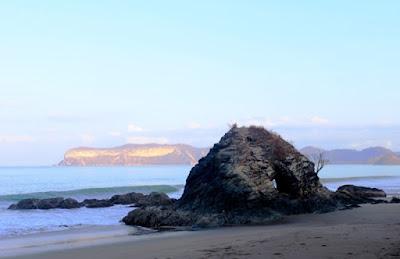pantai poto batu