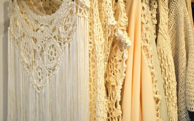 como llevar tejidos, como vestir tejidos para la playa, fashion, moda, moda y tendencias, ropa tejida a mano para mujer, tejidos, tendencias, como vestir tejidos para todos los cuerpos