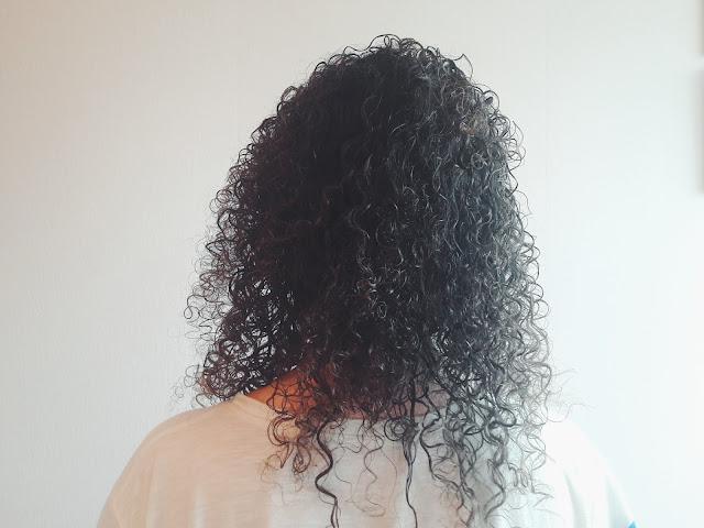 Kręcone włosy metamorfozy