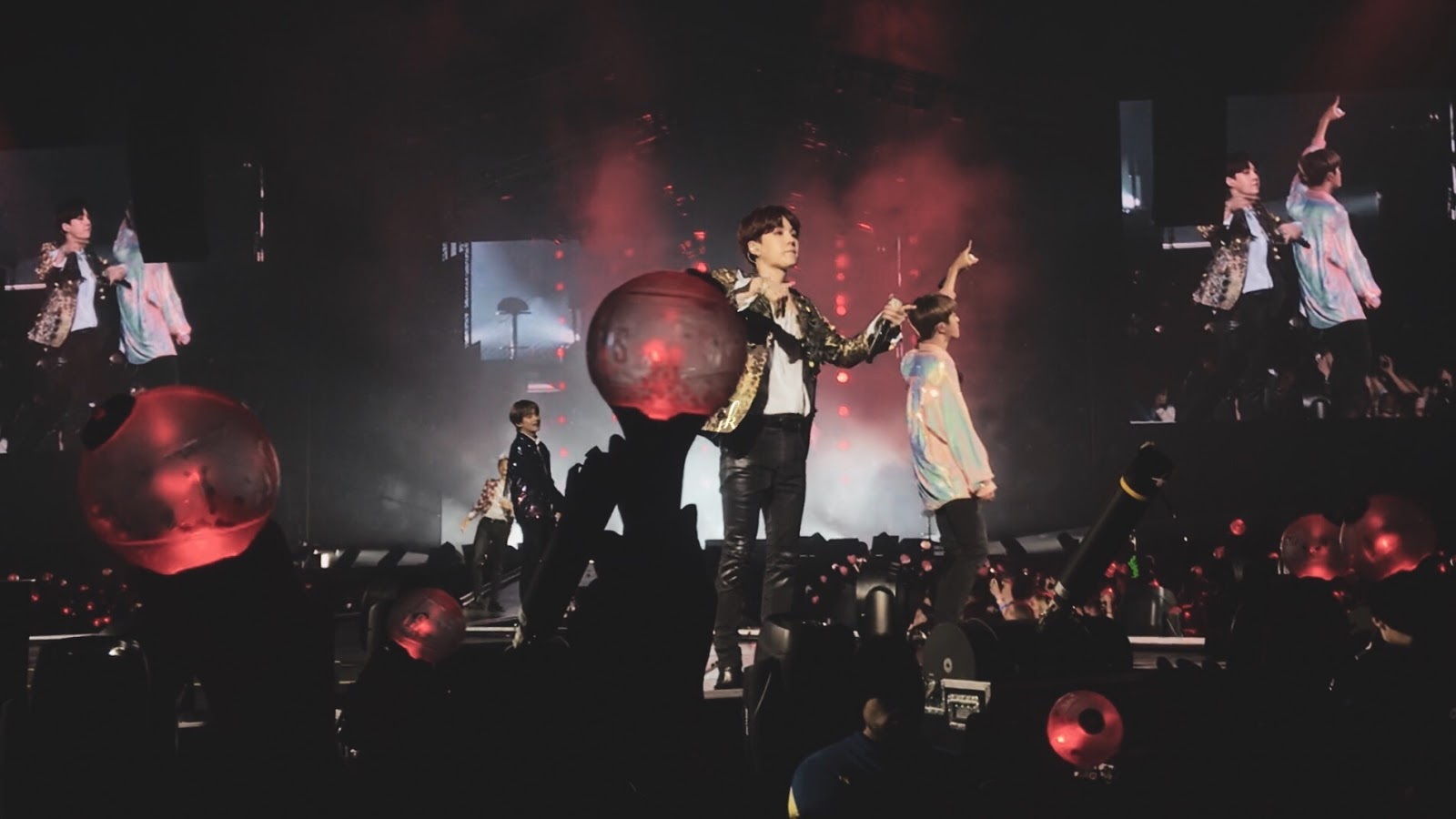 BTS LOVE YOURSELF TOUR IN LONDON – CONCERT EXPERIENCE +