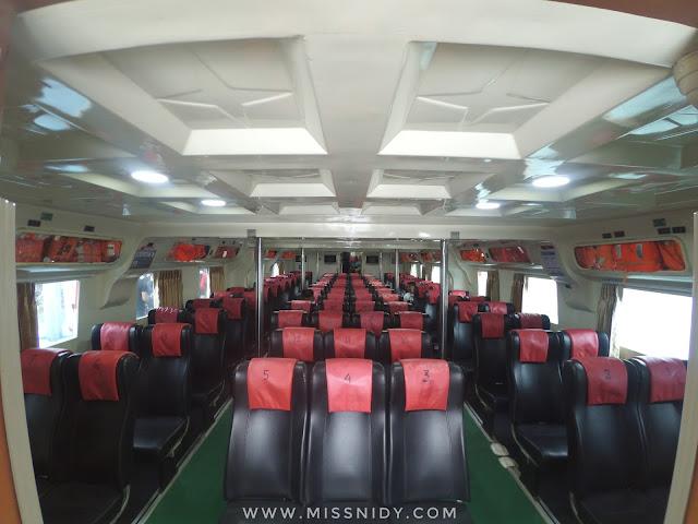 kelas eksekutid kapal cepat KM Express Bahari ke Pulau Tidung