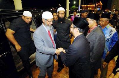Resmi Jadi Warga Malaysia, Zakir Naik Dapat Pembelaan