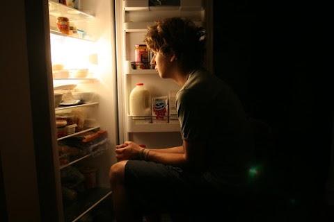 متلازمة الأكل الليلي The cause of Night eating