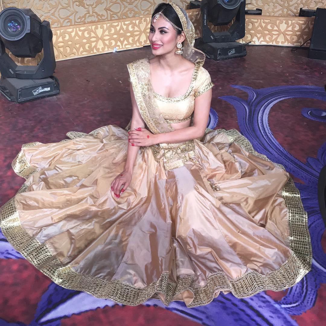 Naagin TV Actress Mouni Roy Latest Hot HD Photos | c65.in