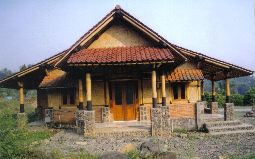 Nature Friendly Bamboo House Design: Istana Bambu: Bamboo House