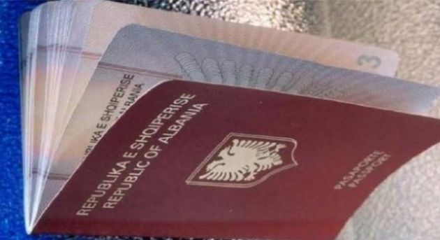 The number of people abandoning the Albanian passports increases by 33%