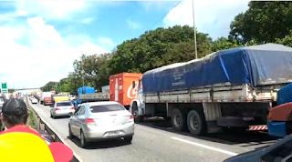 Sem acordo com Governo, greve dos caminhoneiros chega ao 9º dia