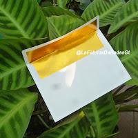 Venta de sobres para  invitaciones de boda forrado en papel dorado en guatemala