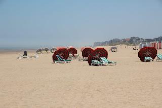 Strand, zee De Panne, overnachten, vakantie, hotels, vakantiehuizen, campings, vakantieparken: www.ontdekdepanne.be
