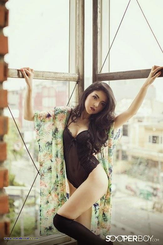 Koleksi Foto Pose Hot Tanpa Sensor Atria Loni Di Majalah Sooperboy