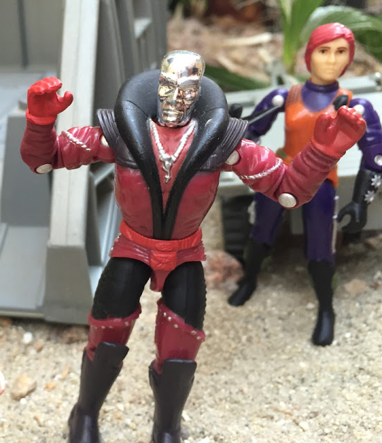 1997 Destro, Scarlett, Toys R Us exclusive