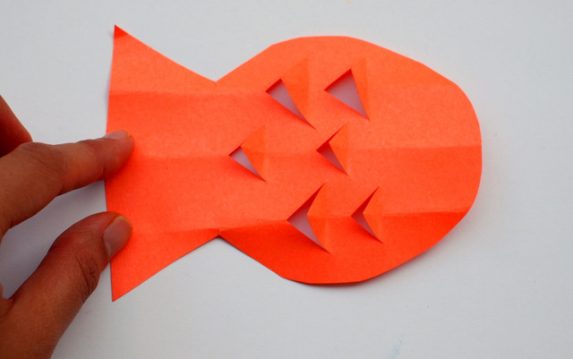 How to cut out kirigami fish craft with young kids
