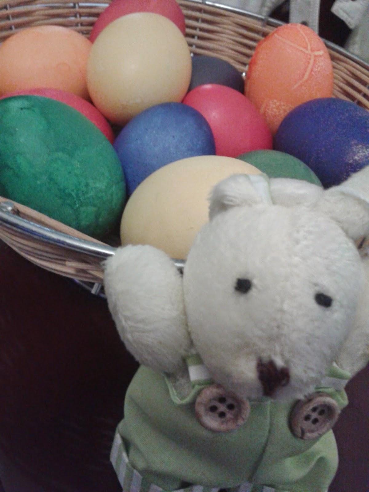 A Galinha Dos Ovo De Ouro Para Colorir beijinhos e bombons: o domingo de páscoa e a tradição de