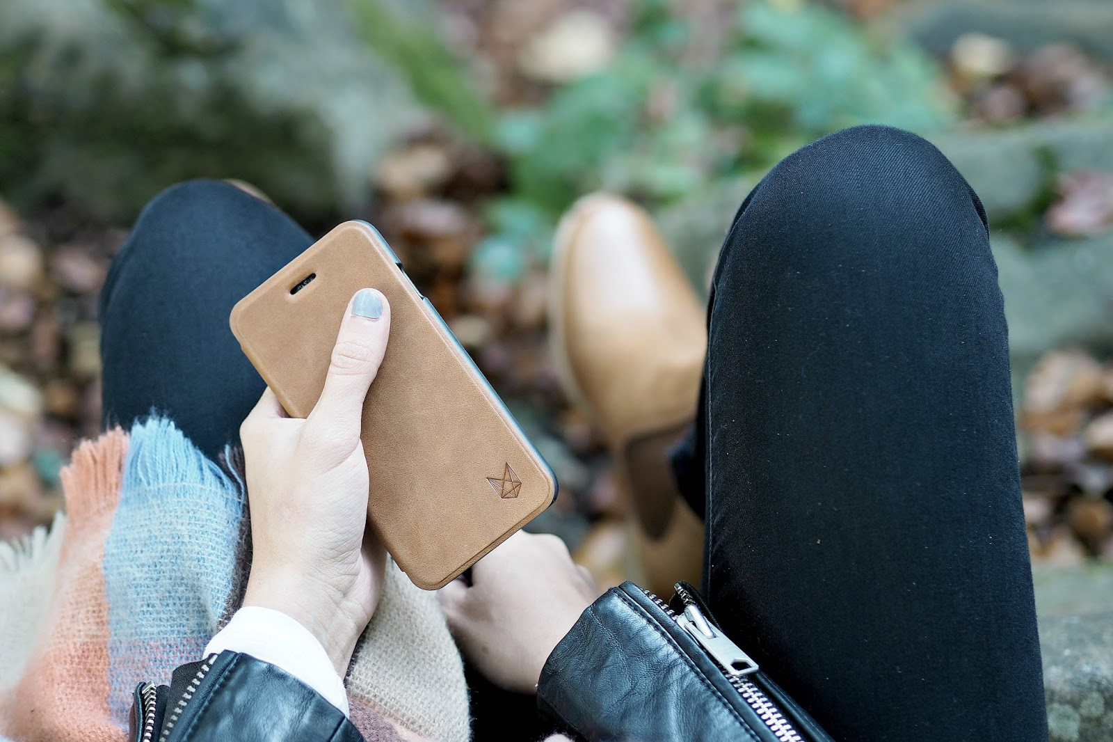 tan accessories for autumn by fashion blogger