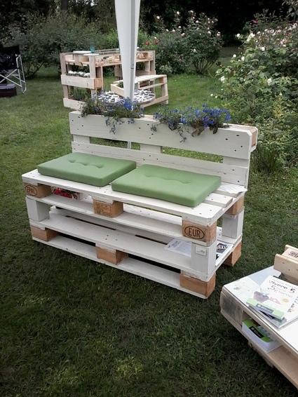 Outdoor Furniture Made With Pallets 5