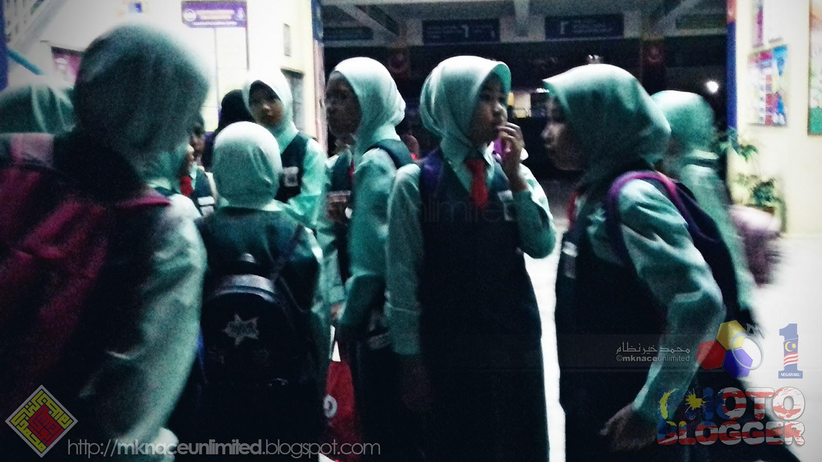 Sk Taman Nusa Perintis Good Luck Karnival Bahasa Melayu Team  # Pose Tele En Boi