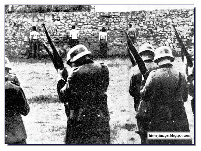 Einsatzgruppen prepare to shoot Polish citizens in cold blood. September 1939