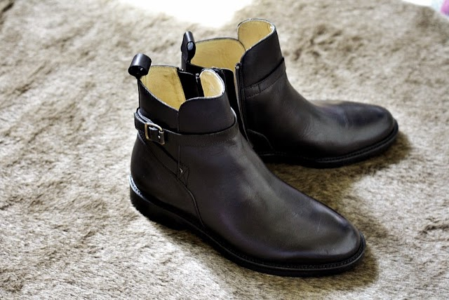 HERE'S THE ITALIAN BOOTS