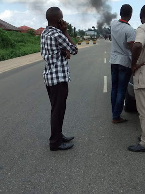 Photos: One dead, another injured as cultists ambush SARS operatives along East-West Road, Rivers State
