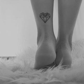 ลายสักรูปหัวใจเล็กๆ