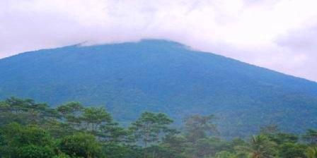 Gunung Ciremai gunung ciremai meletus gunung ciremai cirebon gunung ciremai via apuy gunung ciremai angker gunung ciremai kuningan jawa barat