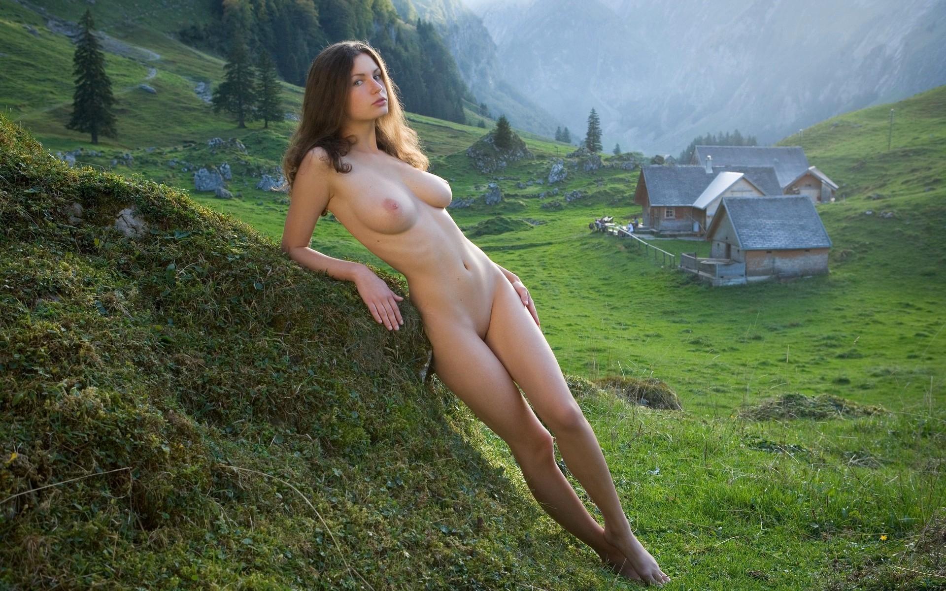 Фото деревенской голой девки, Голые в деревне - фото деревенских голых девушек 12 фотография