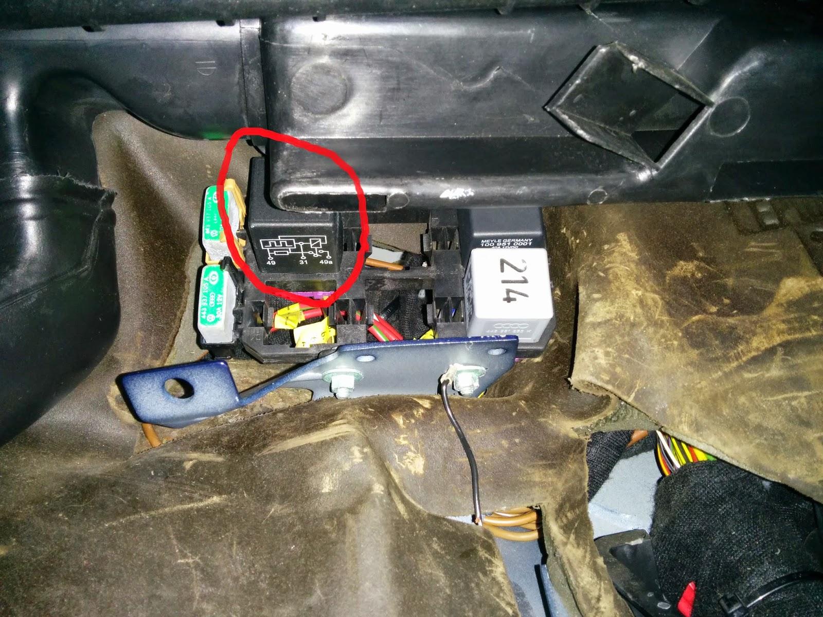 audi tt fuse box on battery