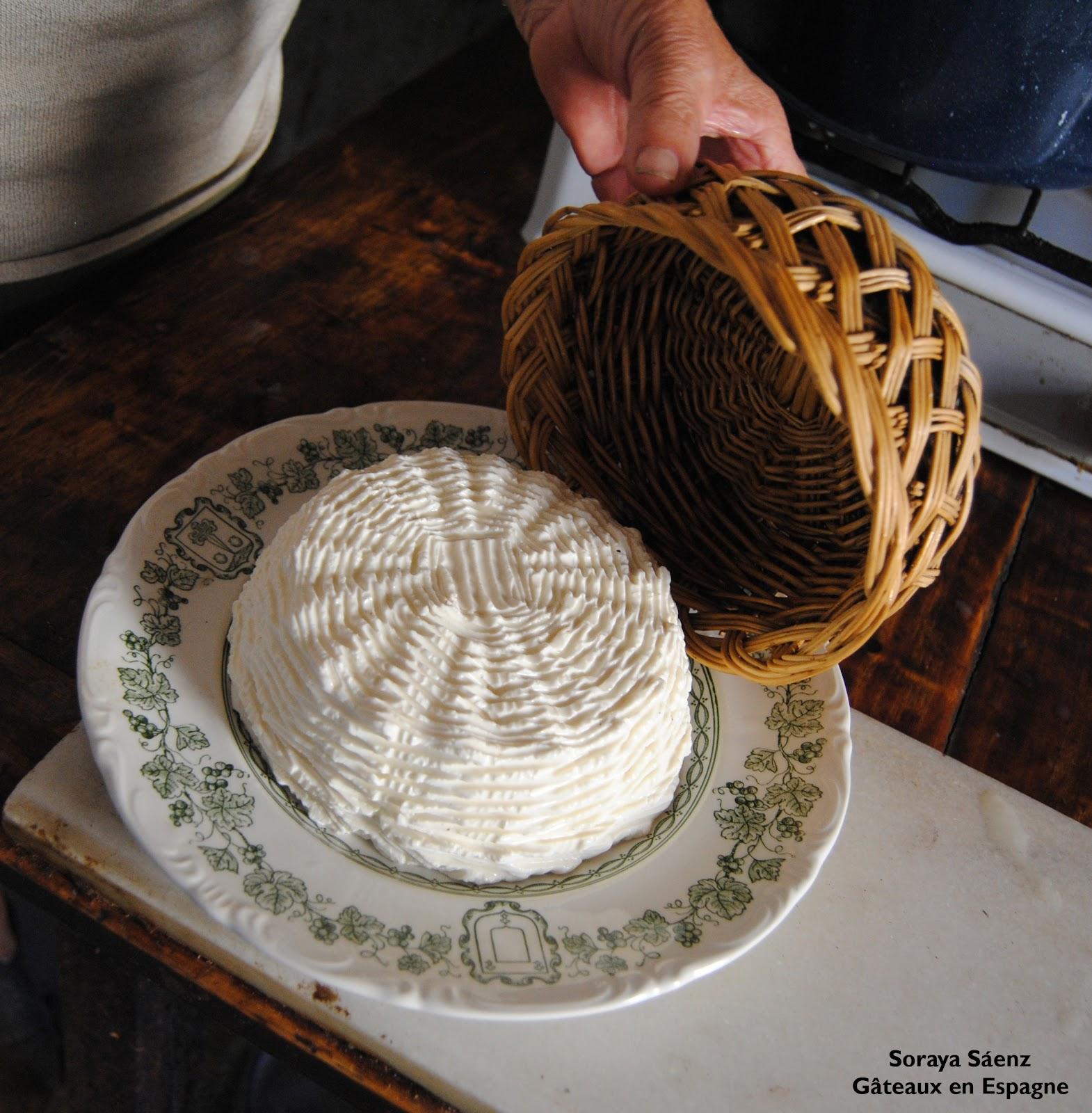 g teaux en espagne comment faire du fromage de ch vre la maison. Black Bedroom Furniture Sets. Home Design Ideas
