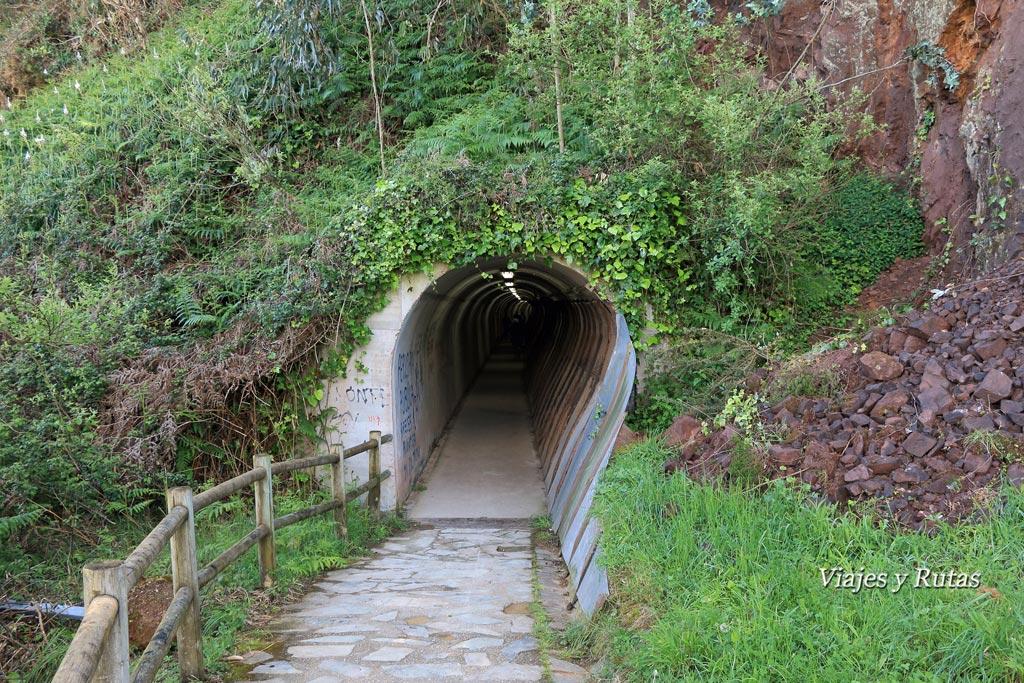 Antiguo túnel del tren en la senda norte de Asturias