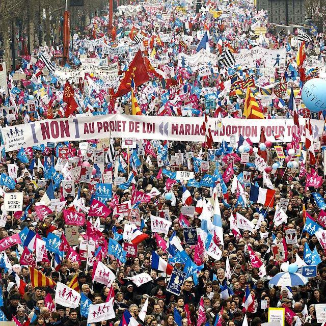 Manifestação contra o 'casamento' homossexual em Paris