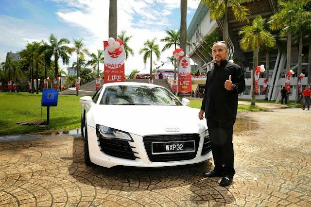 Multimillionaire Azlan Deraman