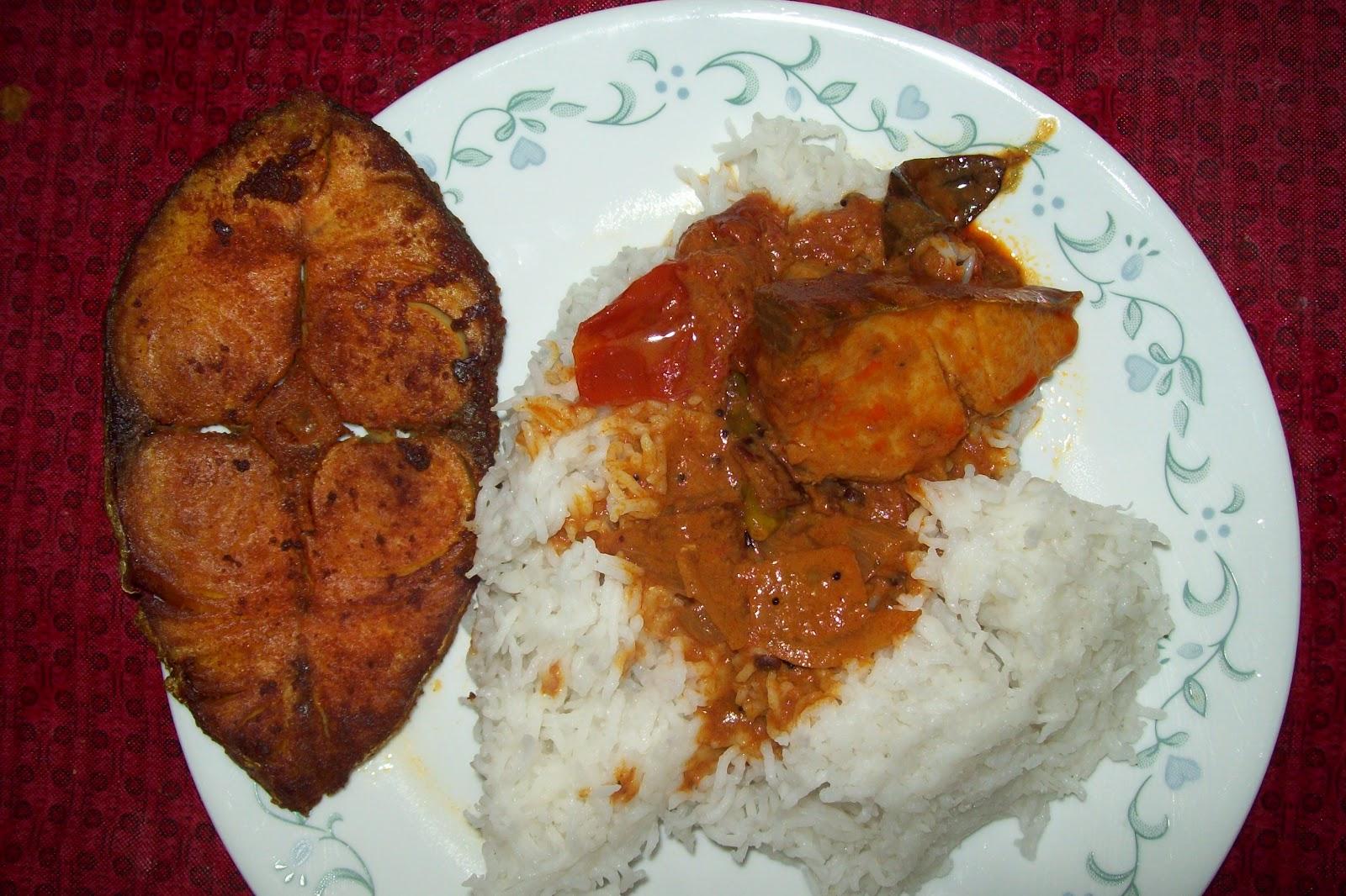 Meen Kuzhambu Hot And Spicy Fish Curry Simply Sangee