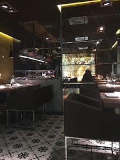 99-sushi-bar-interior