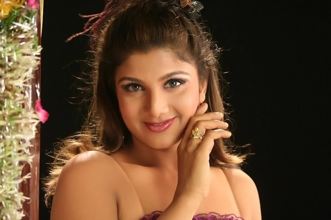 Very Sexy Wallpapers 2012 Bollywood Actress Rambha In -7307