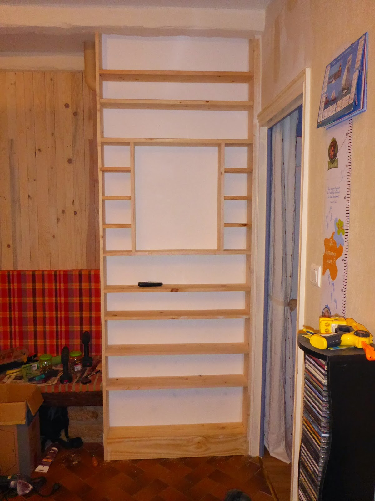 ludo la bricole etag res cd et livres de poche. Black Bedroom Furniture Sets. Home Design Ideas