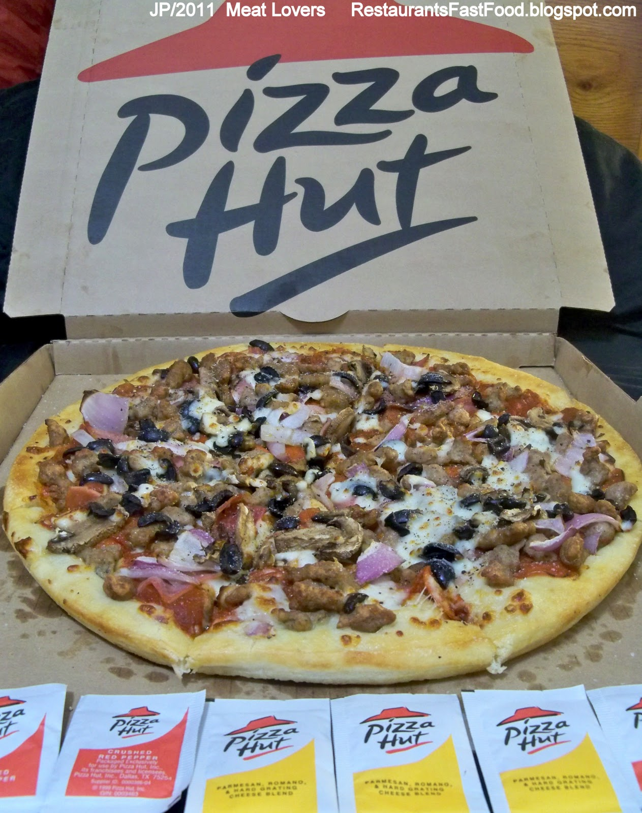 Pizza Hut Meat Large 13 Inch 2lb 11oz Pie With Added Onion Mushrooms Black Olives Restaurant Pan