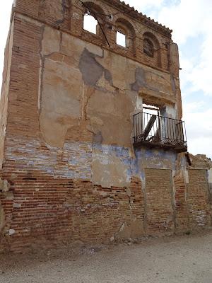 Edificios derruidos en Belchite