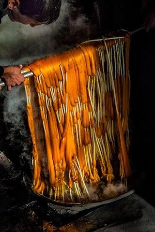 uzbek ikat process, uzbek ferghana ikat factories, uzbekistan textile tours