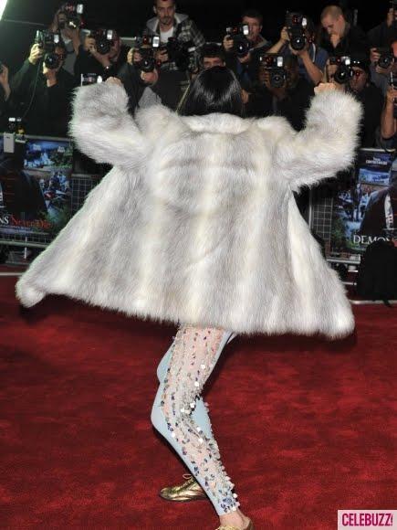 Jessie Js Pale Lipstick Leaves Us Cold At 2014 Brit