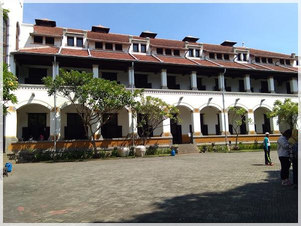 Semarang dan Surga Kecil di Dalamnya
