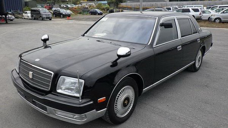 Used Toyota For Sale >> There's A 2000 Toyota Century V12 For Sale In Canada | Carscoops